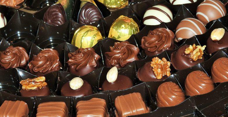 Les boîtes de chocolats : apporter une touche de gourmandise aux cadeaux de Noël